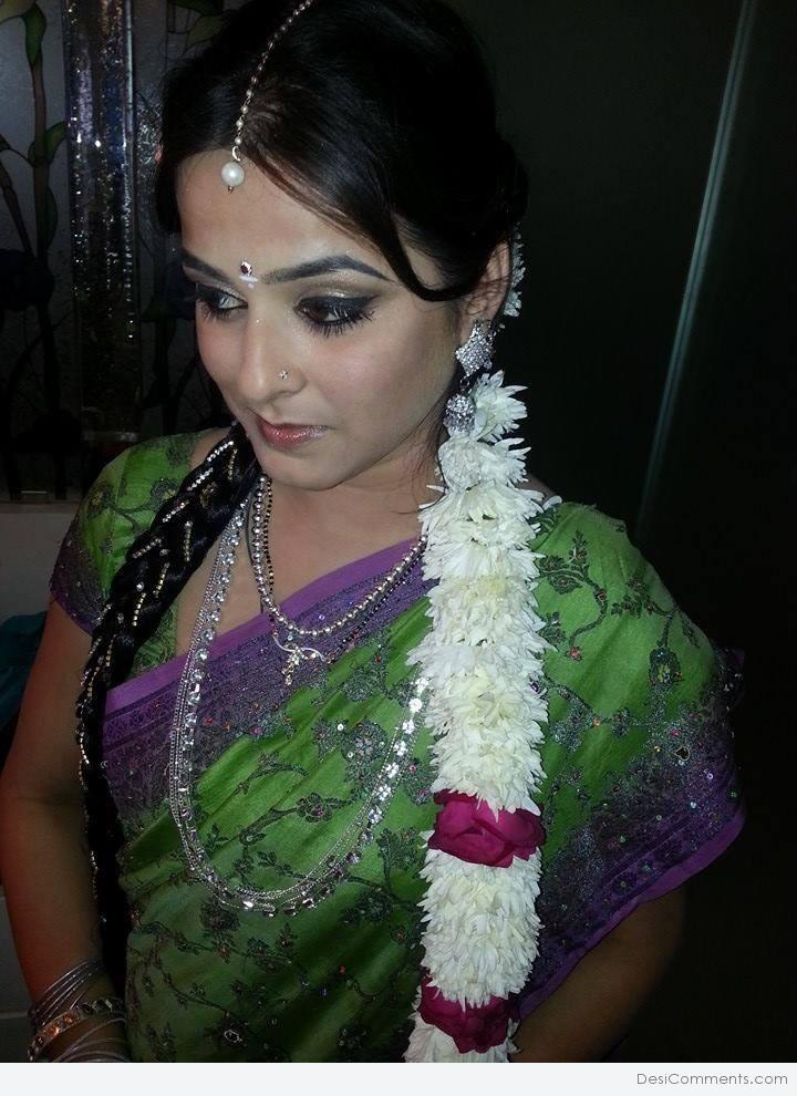 Anshu Sawhney In Saree - DesiComments.com