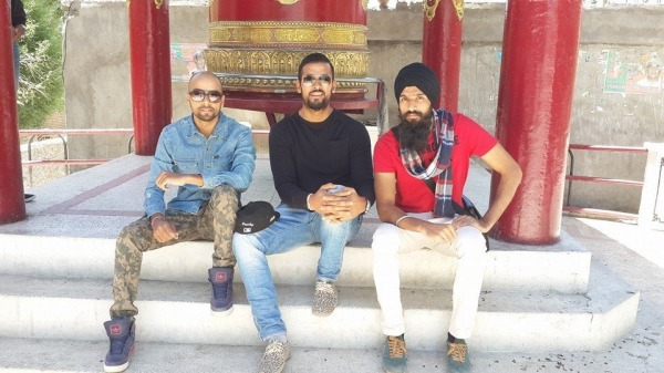Picture: Garry Sandhu In Middle
