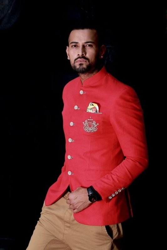 Picture: Garry Sandhu Looking Smart In This Dress