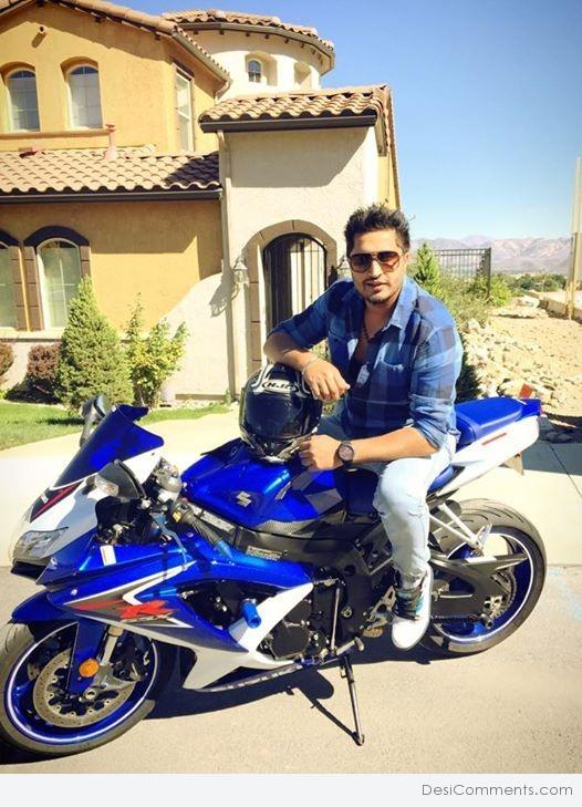 Wallpaper download jassi gill - Jassi Gill Sitting On Bike Desicomments Com
