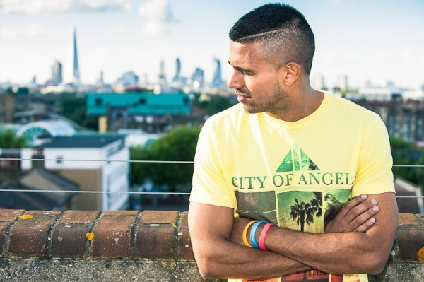 Jaz Dhami In Yellow T-Shirt