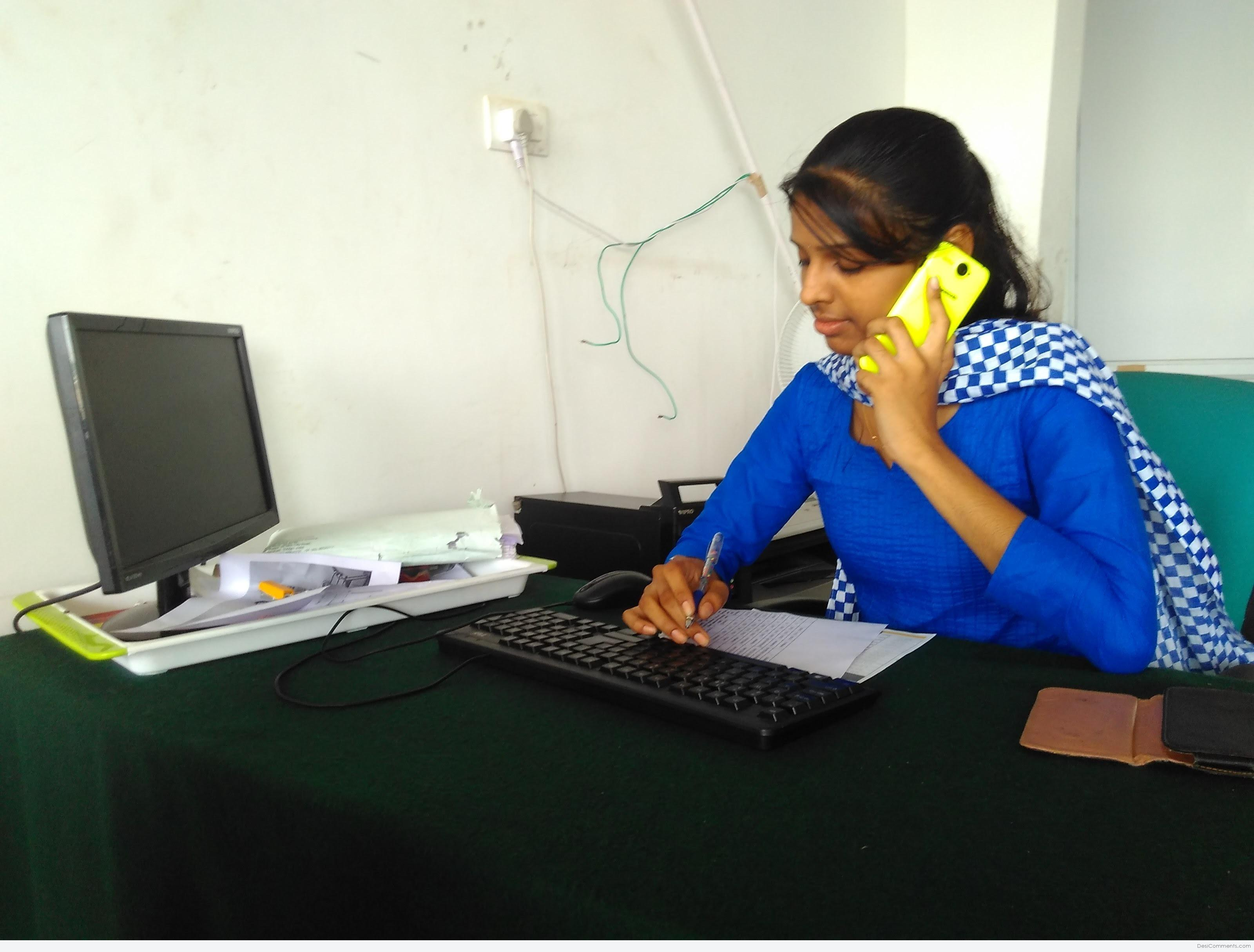 Desi Indian Girl At Office - Desicommentscom-2715