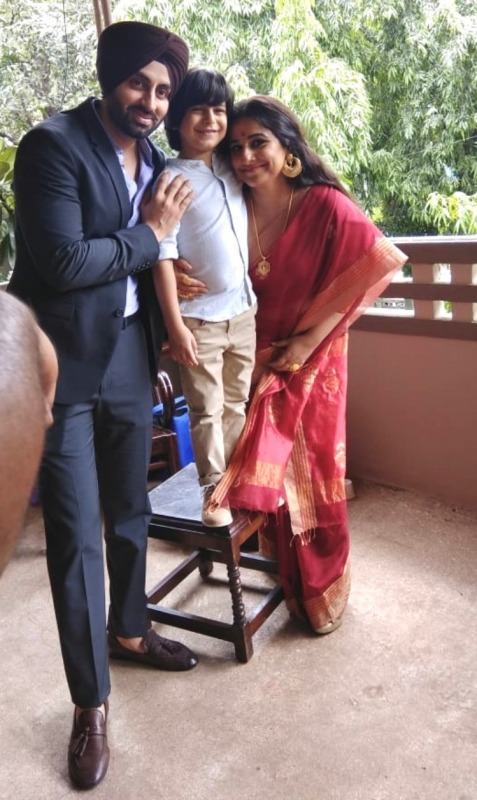 Picture: Sikh Model Simarjeet Nagra With Vidya Balan On Shoot
