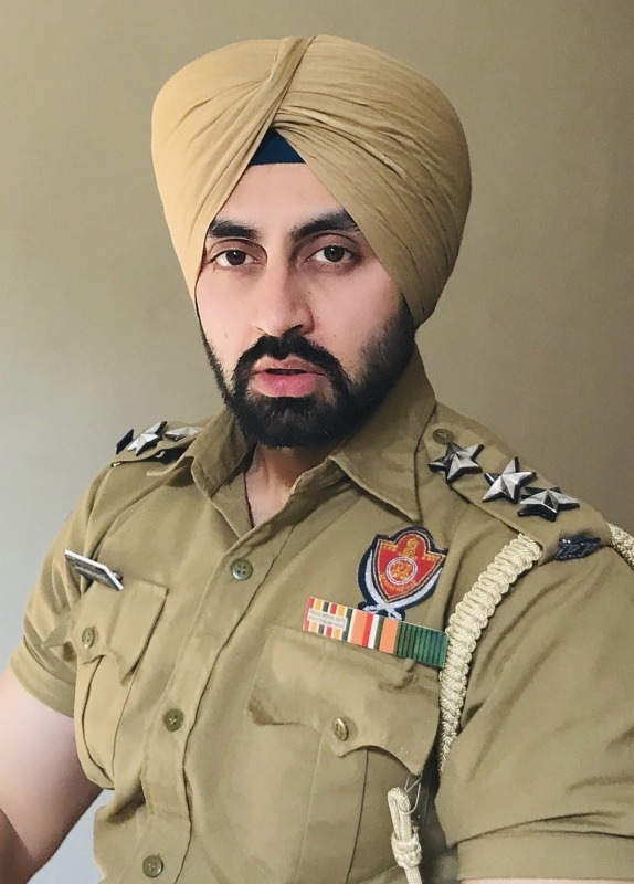 Picture: Actor Simarjeet Singh Nagra in Police Uniform