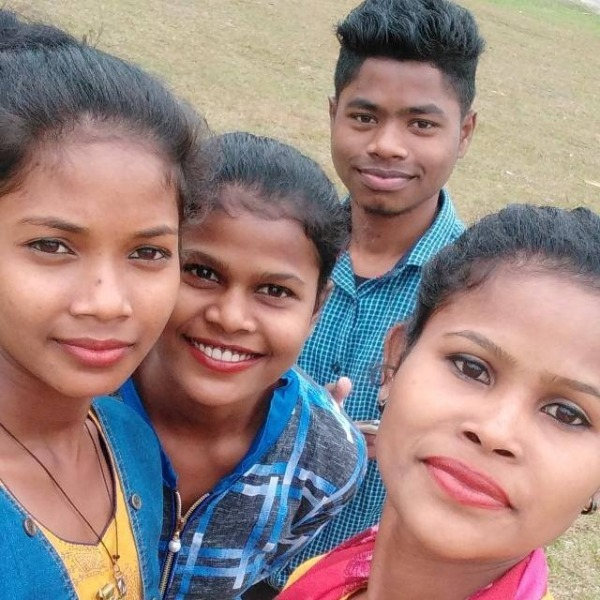 Anita Horo Taking Selfie With Her Friends