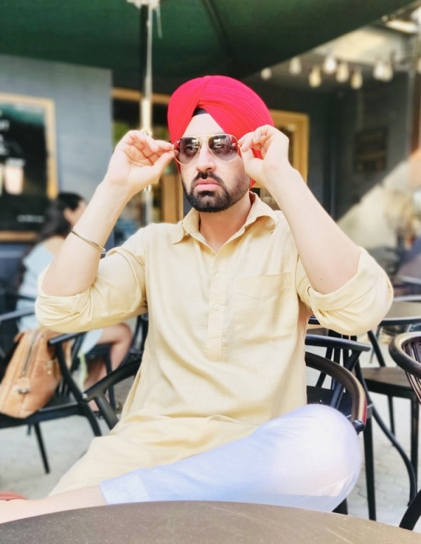 Picture: Turbaned Actor And Model Simarjeet Singh Nagra