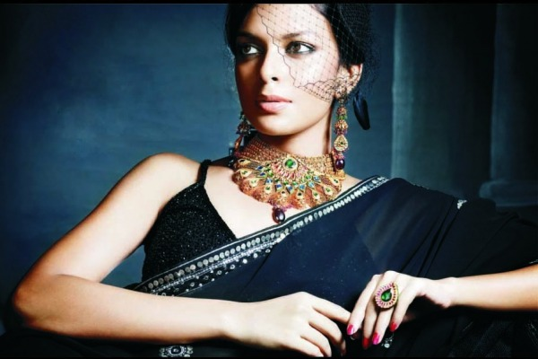 Bidita Bag In Black Saree Jewellery