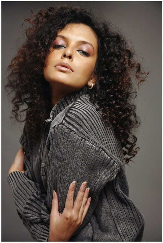 Picture Of Curly Hair Beauty Bidita Bag