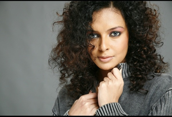 Image Of Curly Hair Beauty Bidita Bag