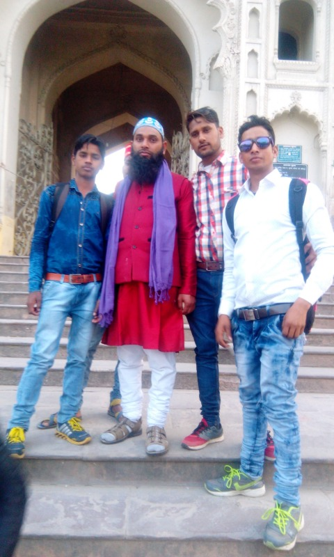 Rizwan Hussain With His Friends