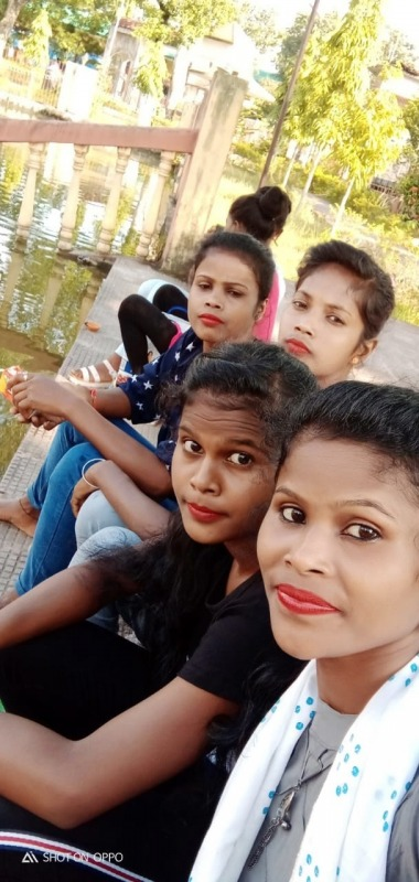 Picture: Image Of Ajit Lugun With Friends