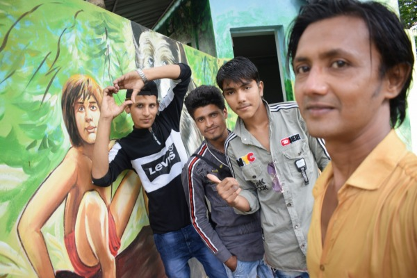 Image Of Javed Shah Khajrana With His Friends