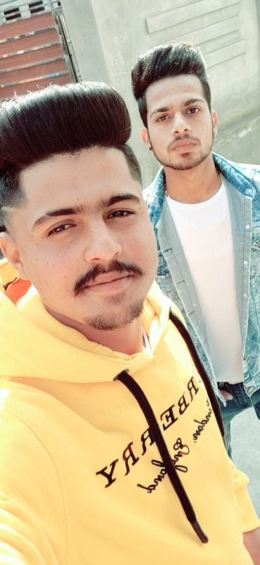 Rohit Reet Taking Selfie With His Friend