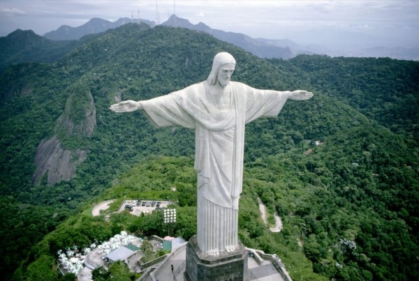 Front View Of Statue of Christ the Redeemer
