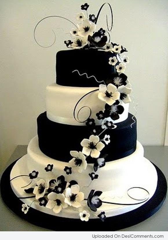 Picture: Black And White Wedding Cake