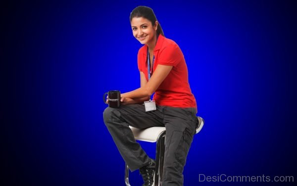 Anushka Sharma Actress Photo-DC03
