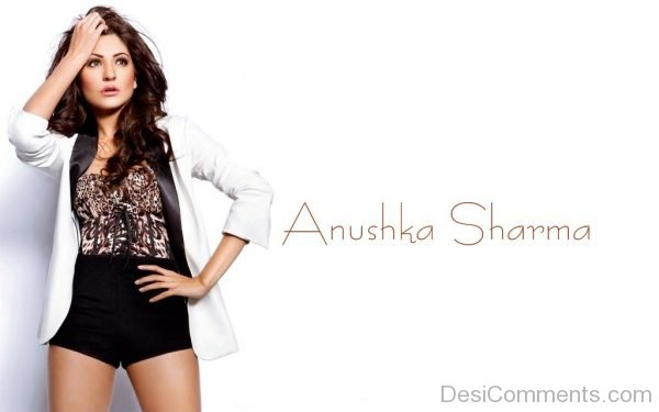Anushka Sharma Bollywood Actress-DC07