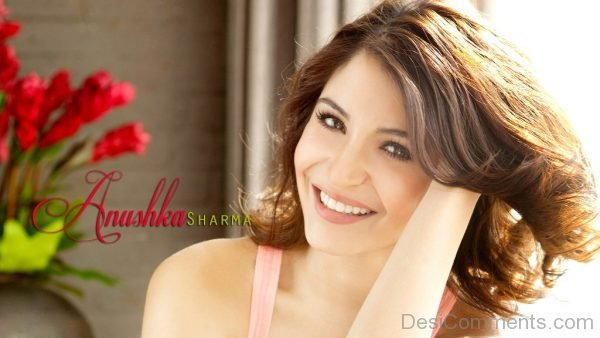 Anushka Sharma Looking Lovely-DC31