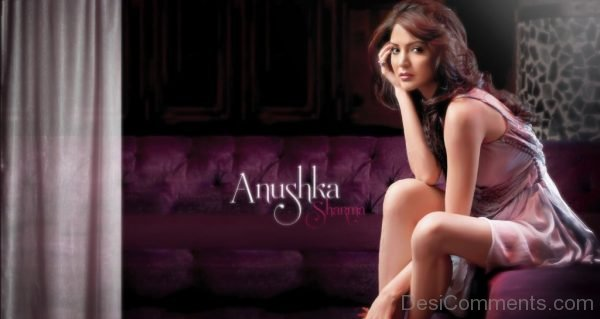 Anushka Sharma Looking Stunning-DC35