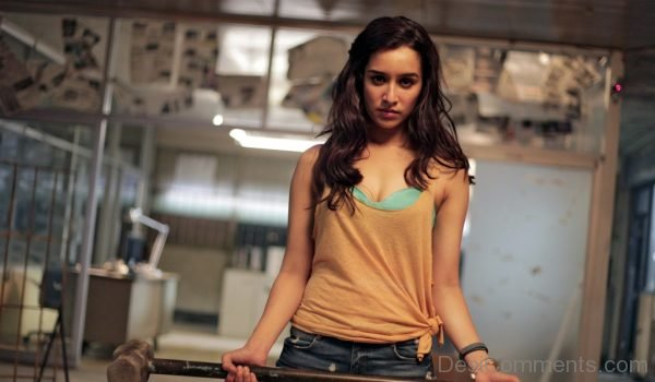 Shraddha Kapoor During Shoot-DC09