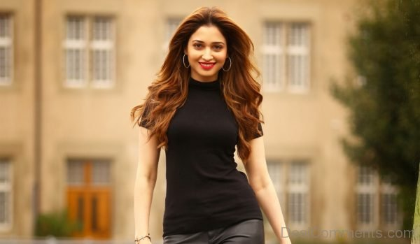 Tamanna In Black Top-DC11