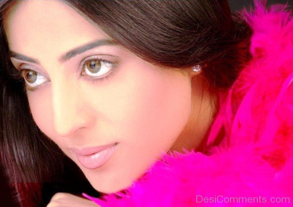 Mahi Gill Beautiful Eyes1