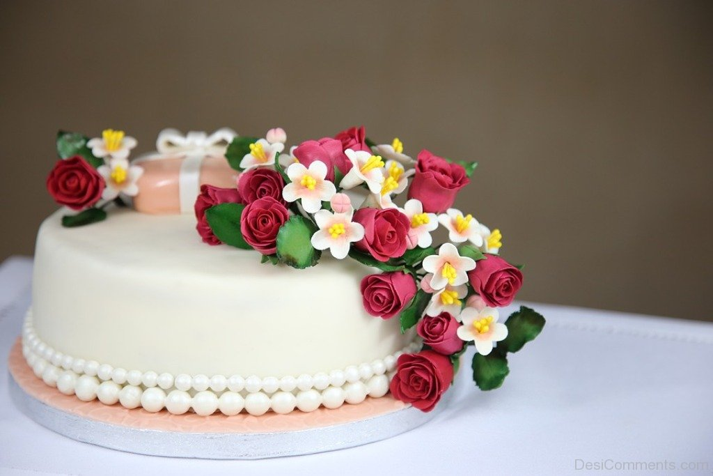 Birthday Cake Pictures Images Graphics for Facebook Whatsapp