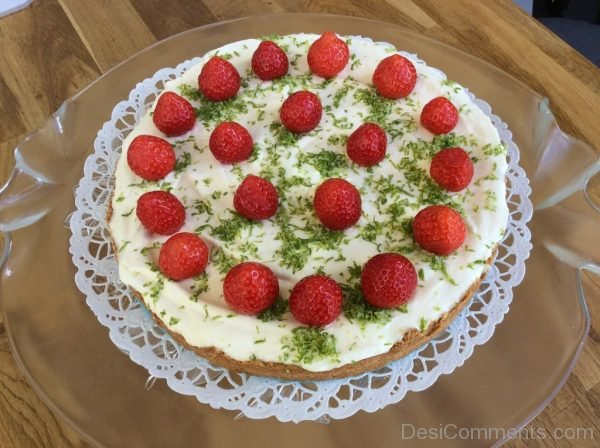 Picture: Tasty Strawberry Cake – Nice Image
