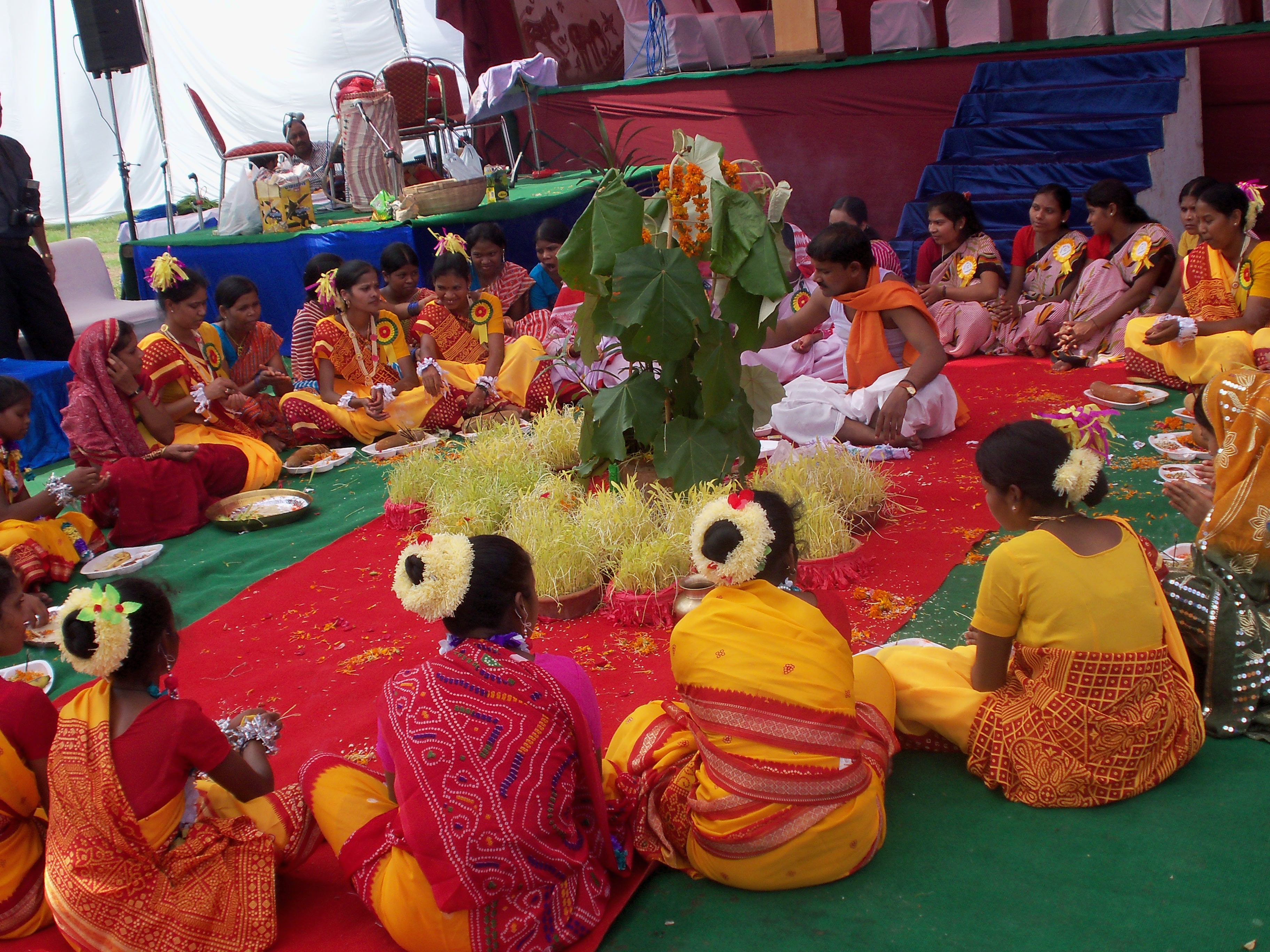 Karam Puja Pictures, Images, Graphics
