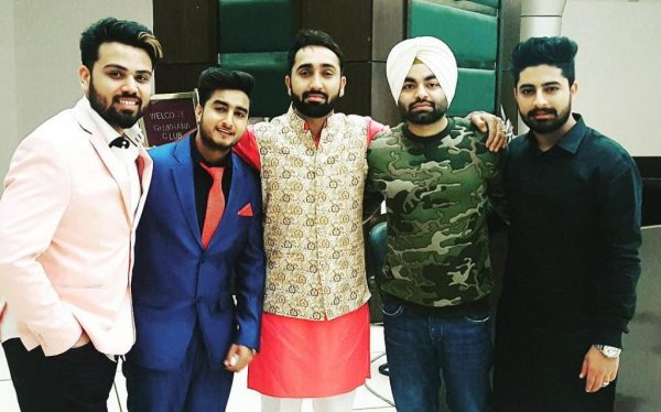 Manna Dhillon With Other Punjabi Singers