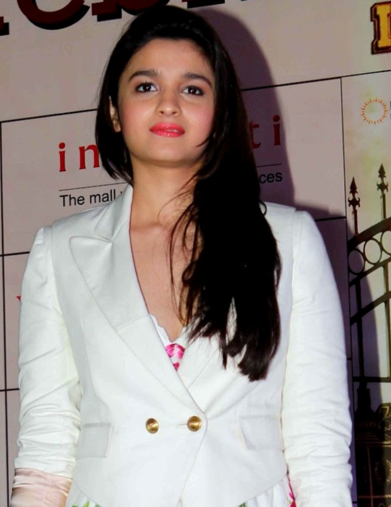alia bhatt beautiful bollywood star - desicomments
