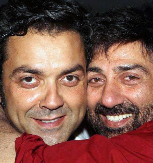 Bobby Deol With Brother Sunny Deol