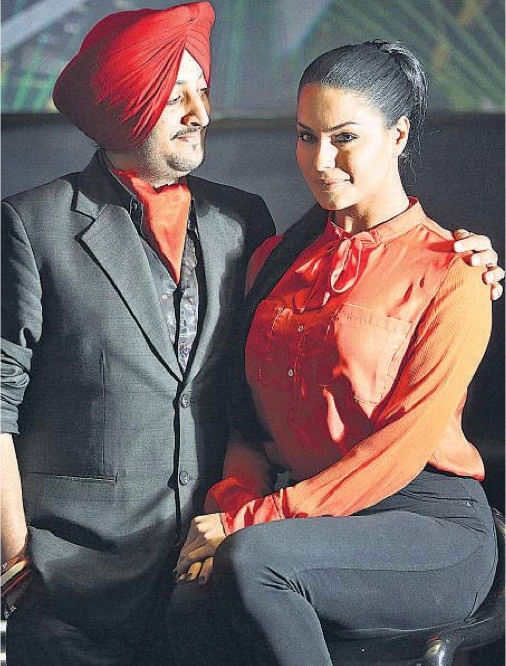 Inderjit Nikku And Veena Malik