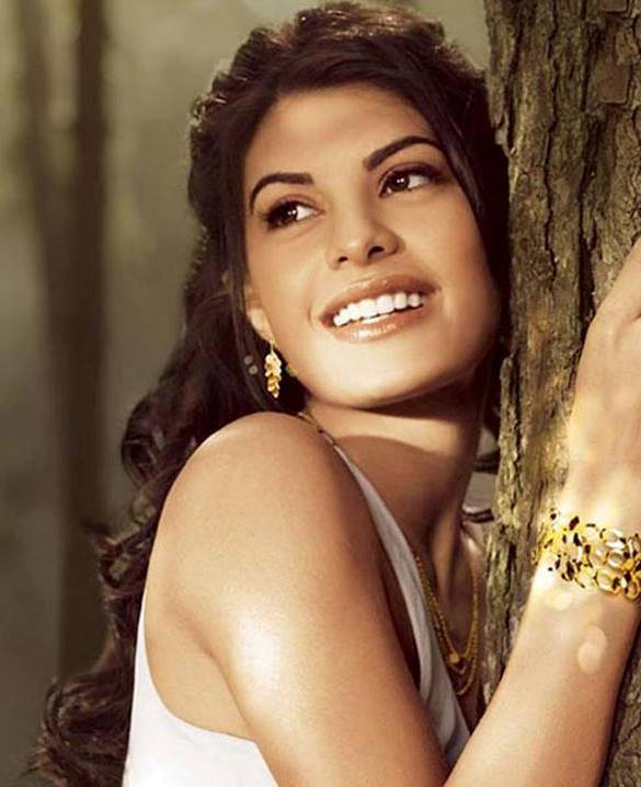 Jacqueline fernandez beautiful eyes desicomments com