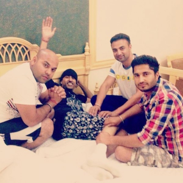 pic of family of jassie gil jassi gill desicomments com