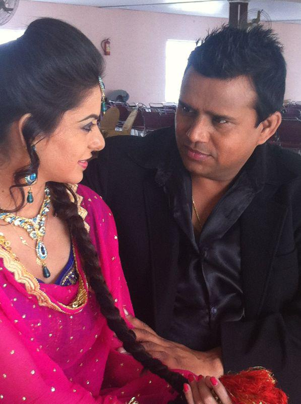 Karmjit anmol pictures images page 3 for Nisha bano with husband
