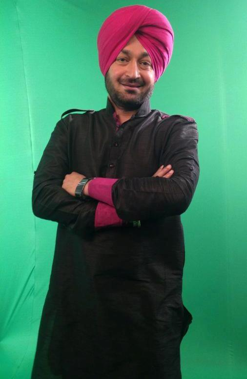 Malkit Singh Wearing Black Kurta Pajama