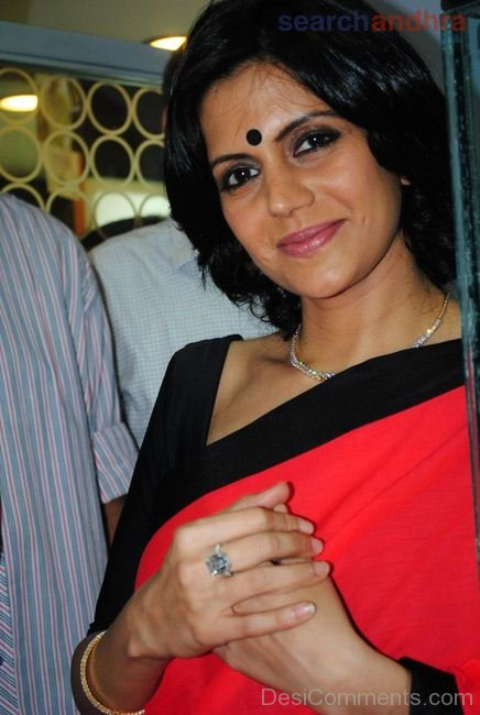 Mandira Bedi At Malabar Gold Showroom
