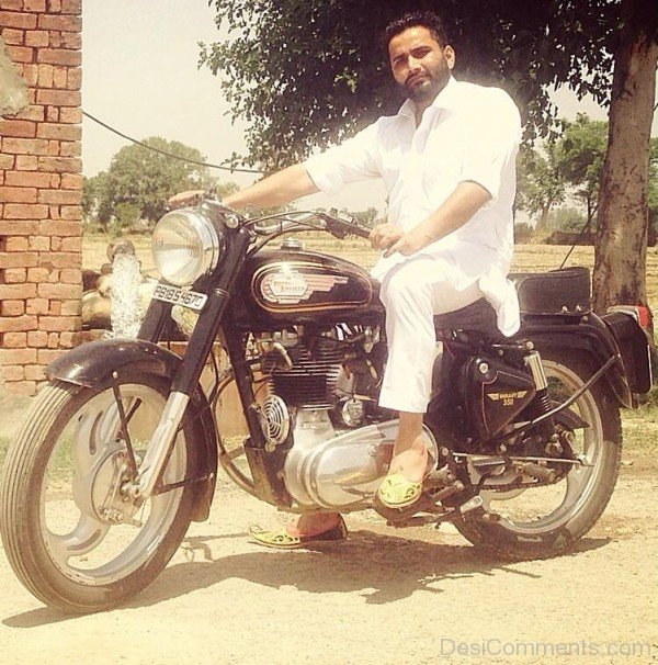 Maninder Batth On Bullet Image