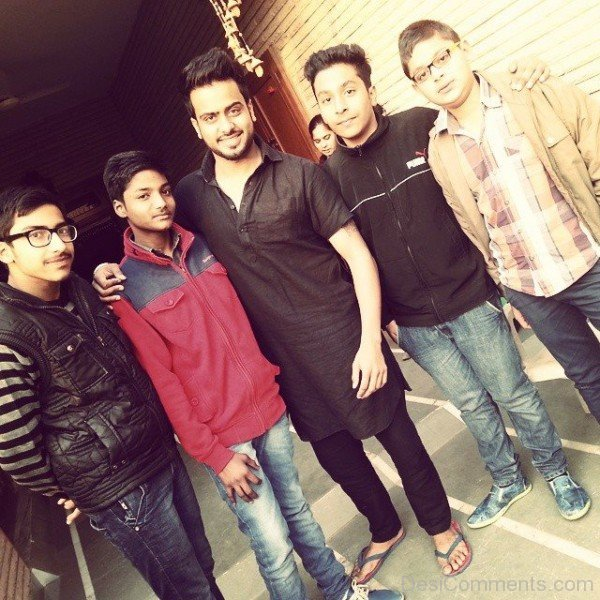 Mankirt Aulakh With Fans
