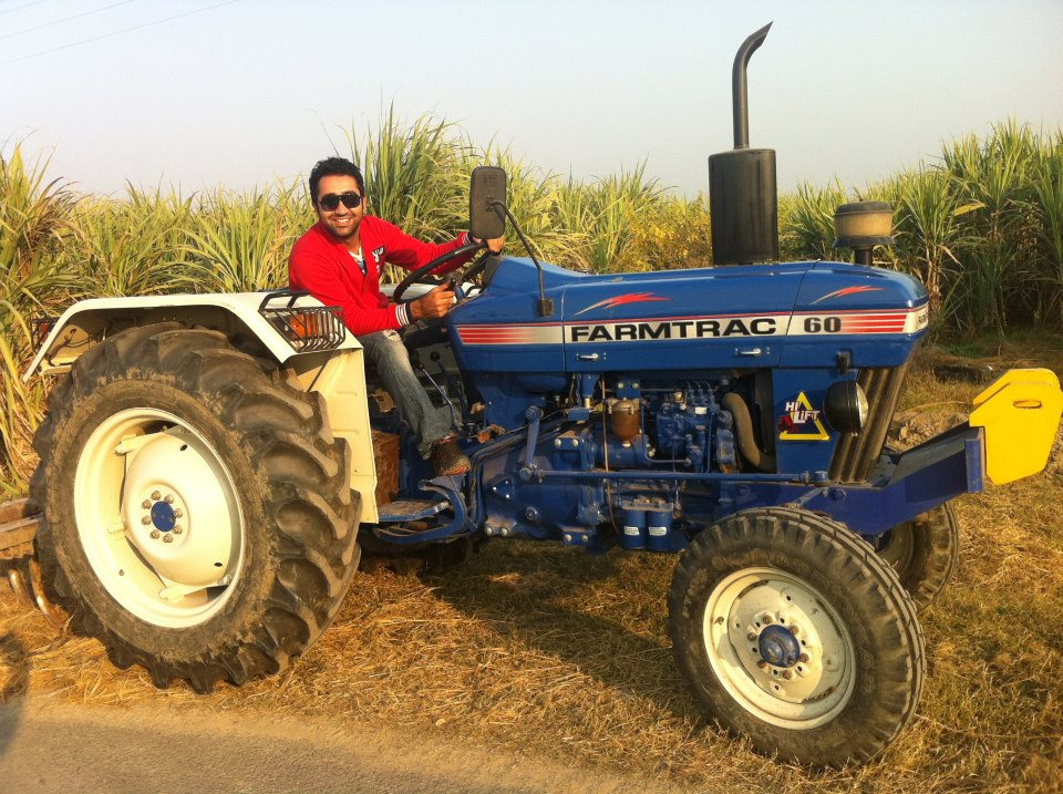 Manna Dhillon Is Sitting On Tractor