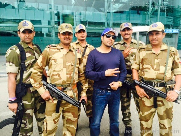 Mika Singh With CISF Soldiers