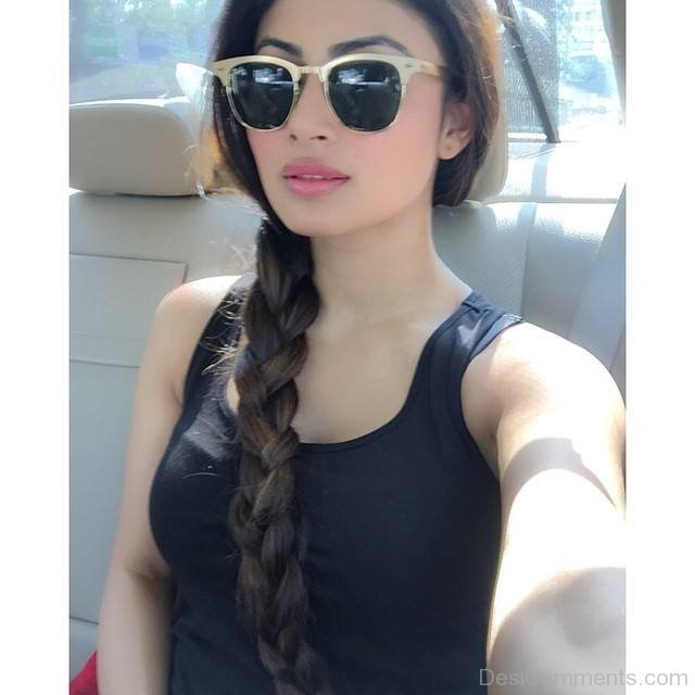 Mouni Roy Pictures, Images