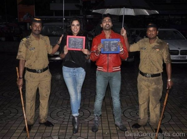 Richa Chadda With Other Actor-DC092