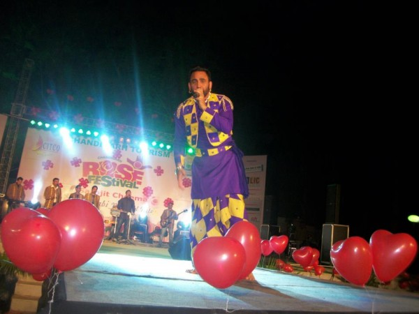 Sarbjit Cheema During Stage Show