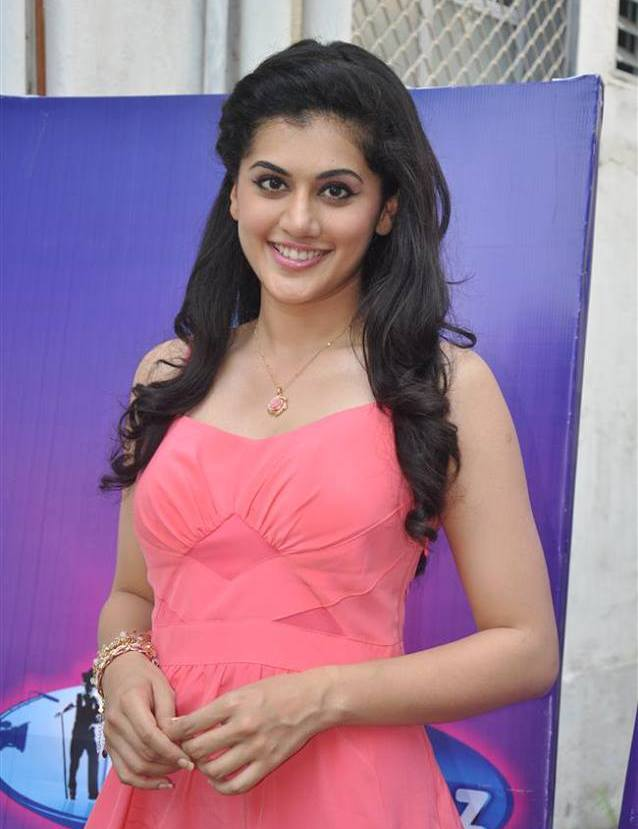 desi ments   india indian celebrities female taapsee pannu