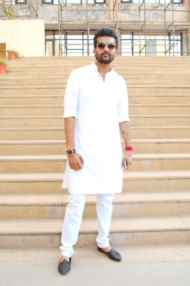 White Kurta Pajama With Jacket Wearing White Kurta Pajama