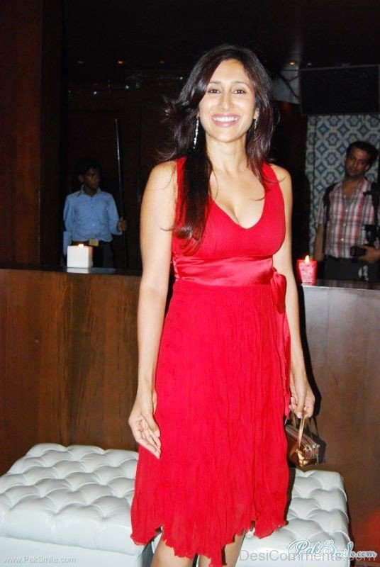 imghans-Teejay Sidhu Looking Great In Red Dress